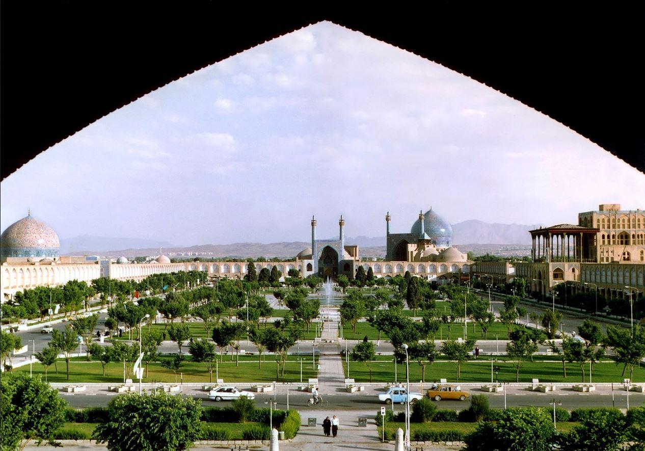 http://bmatzer.bplaced.net/photos/isfahan2.JPG