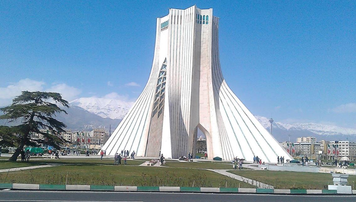 http://bmatzer.bplaced.net/photos/teheran-azadi-tower.JPG